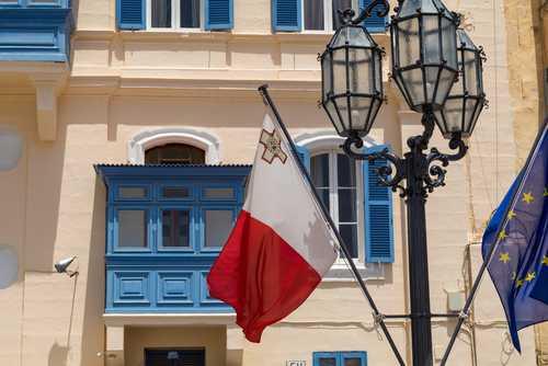 Биржа Binance спонсирует первый децентрализованный банк Мальты