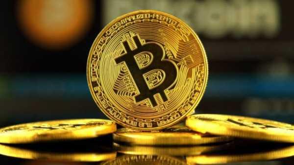 Технический анализ биткоина указывает на возможность отката перед началом роста