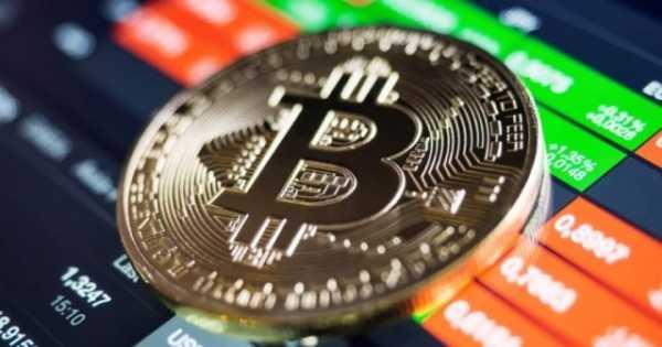 Пользователи активно выводят биткоины с криптобирж