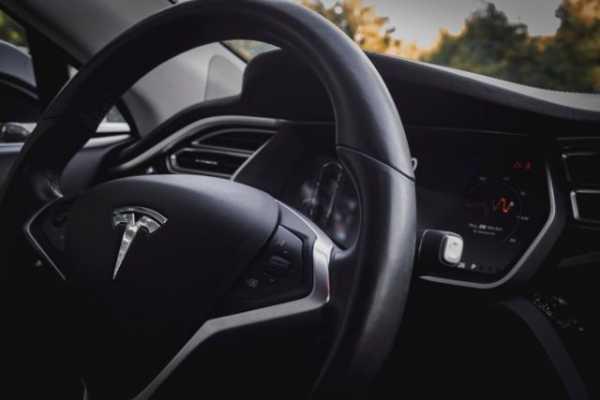 Илон Маск: Теперь можно купить Tesla за биткоин