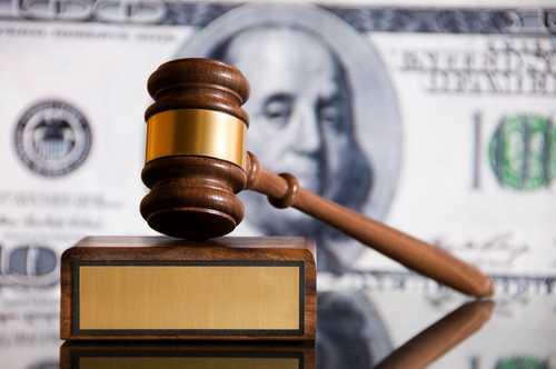 Суд взыскал $2,5 млн с криптовалютного хедж-фонда за организацию финансовой пирамиды