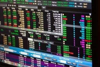 Биткоин отреагировал небольшим ростом на укрепление индекса S&P 500