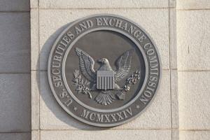 Хестер Пирс: Отрасли криптовалют необходимо предоставить возможность саморегулирования