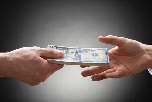 Биржа KuCoin испытывает трудности с реферальными и бонусными выплатами