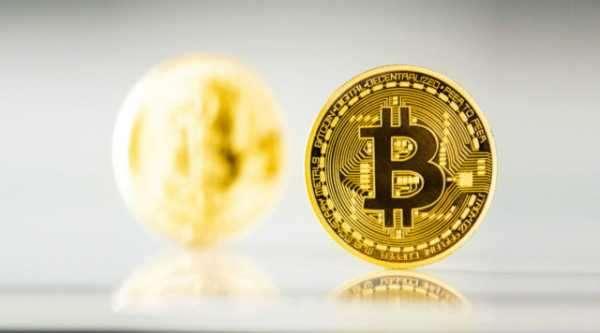 Добытые в 2010 году биткоины впервые пришли в движение