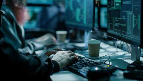 Хакеры используют уязвимость пятилетней давности для установки майнингового ПО