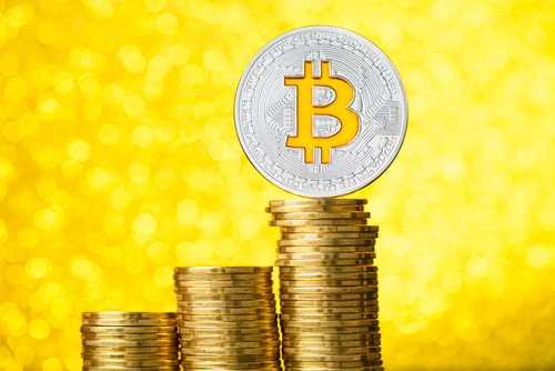 Bloomberg: Корреляция между биткоином и золотом удвоилась за 3 месяца