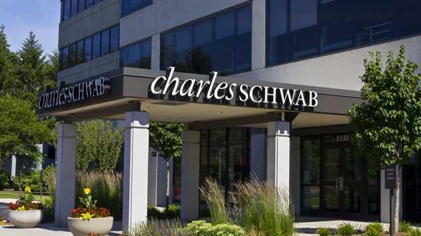 Американский брокер Charles Schwab не планирует работать с криптовалютами