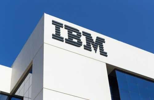 IBM наймет 1 800 новых специалистов по блокчейну, ИИ и интернету вещей