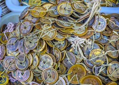 В Китае обнаружили 421 фейковую криптовалюту