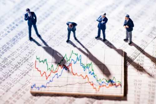 Исследование: Объёмы торгов и волатильность биткоина обновляют минимумы