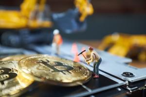 Хеш-рейт биткоина впервые превысил значение 80 квинтиллионов хешей в секунду