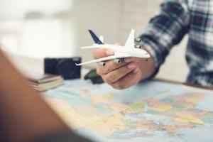 Авиакомпания Norweigan Air начнёт принимать биткоины и запустит биржу криптовалют