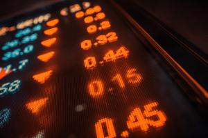 Стоимость акций майнинговой компании Canaan снизилась на 40% после IPO
