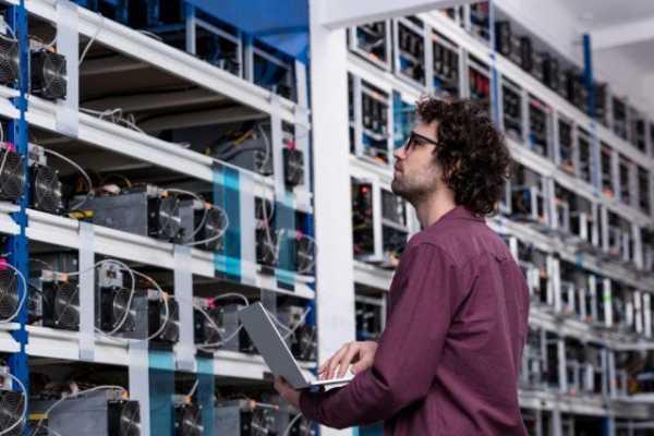 Биткоин-майнеров коснулась проблема нехватки нового оборудования