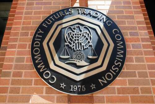 Председатель CFTC: Нам нужно тестировать блокчейн, потому что мы уже отстали на 4 года