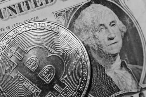 Глава Банка Англии призывает к усилению контроля за «терпящими неудачу» криптовалютами