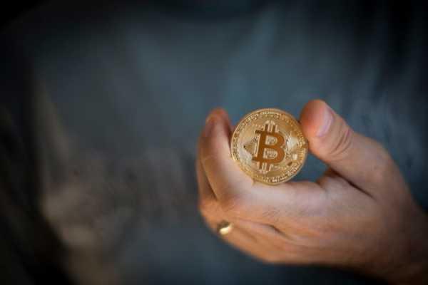 Аналитики Longhash назвали лучшее время для покупки и продажи биткоина