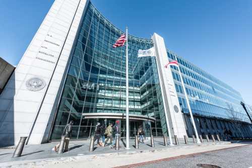 Комиссар SEC: Одобрение биткоин-ETF, конечно же, возможно