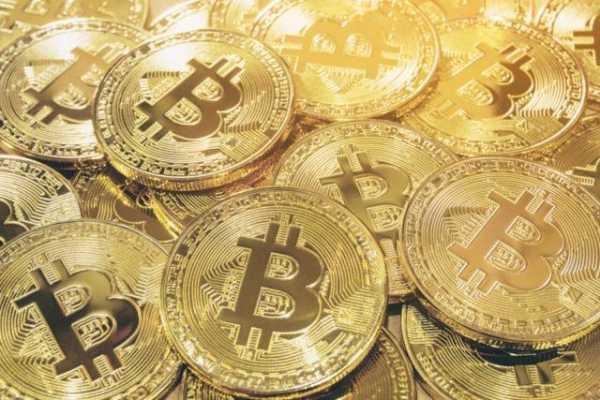Количество биткоин-адресов с минимальным остатком в 10 BTC достигло рекорда