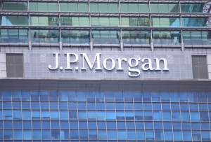 Bloomberg: JPMorgan готовится протестировать стейблкоин JPM Coin вместе с клиентами