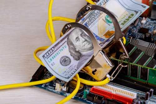FinCEN: Нам ежемесячно поступает 1 500 жалоб, связанных с криптовалютами