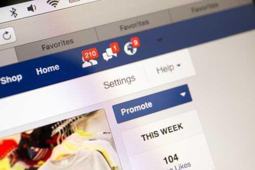 Facebook ослабил запрет на рекламу криптовалютных проектов