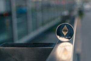 Ethereum испытывает рост времени блока и падение наград на фоне активации бомбы сложности