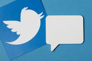 CEO Twitter пообещал не удалять аккаунт Гала Финни, оставившего исторический твит о биткоине