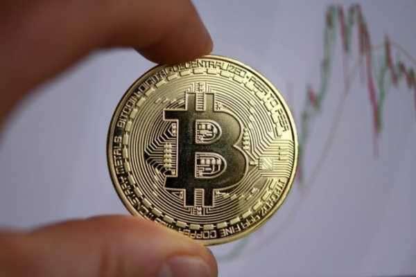 Цена токена DeFi-протокола Safe Dollar рухнула до нуля