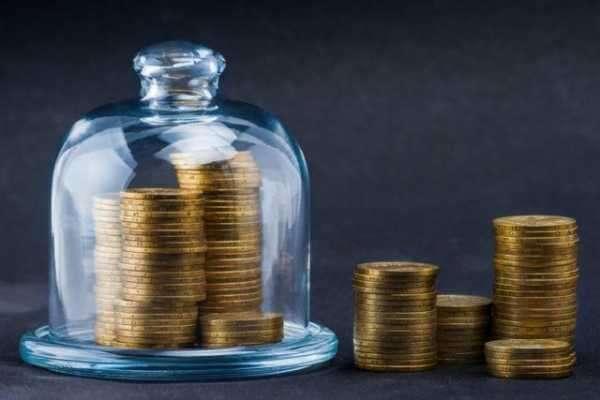 Доллар дешевет. Какие активы выбрать для инвестирования?