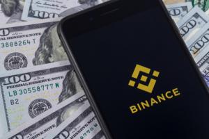 Биржа Binance запускает привязанный к доллару США стейблкоин BUSD