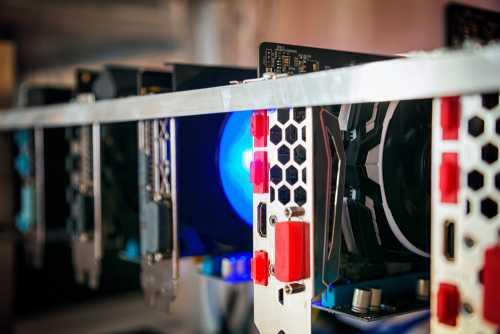 В Китае из-за кражи электричества конфисковано 200 компьютеров для майнинга биткоина и эфира