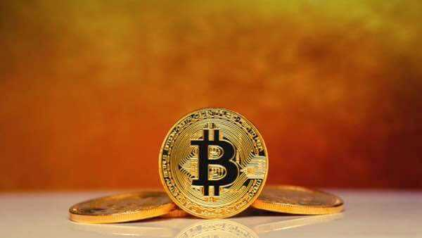 Bitcoin BTC/USD прогноз на сегодня 18 апреля 2019