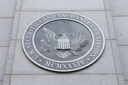 SEC приостановила торговлю акциями компании, заявившей об одобрении регулятора на проведение ICO