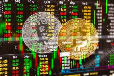 Объемы биткоин-транзакций на биржах растут в преддверии халвинга