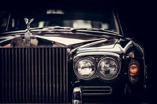 Американский дилер Rolls-Royce, Bugatti и Bentley начал принимать биткоин и Bitcoin Cash