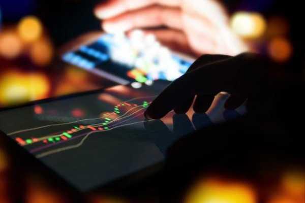 У Coinbase и Binance возникли трудности на фоне резкого роста цены биткоина