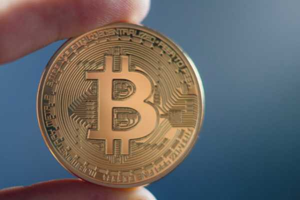 За последние несколько дней комиссии в сети биткоина упали почти на 60%